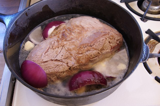How to Cook Beef Shoulder in an Oven
