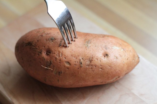 How to Cook Sweet Potatoes in Aluminum Foil in the Oven