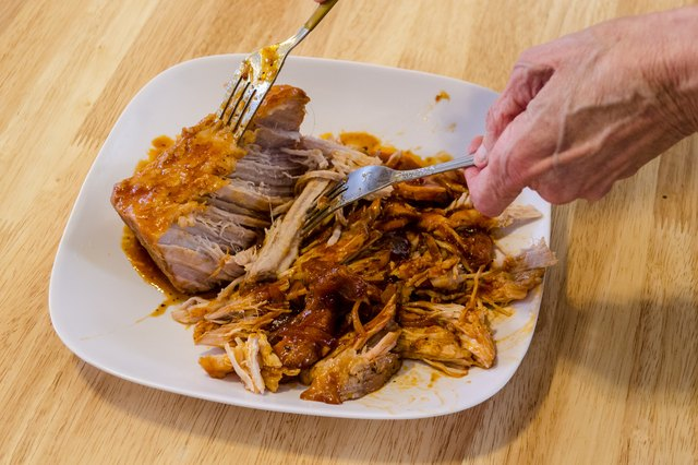 How to Cook a Barbecue Pork Loin Roast in a Crock-Pot