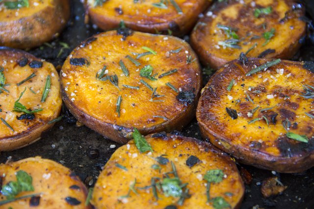 How to Cook Sliced Sweet Potatoes on Stove