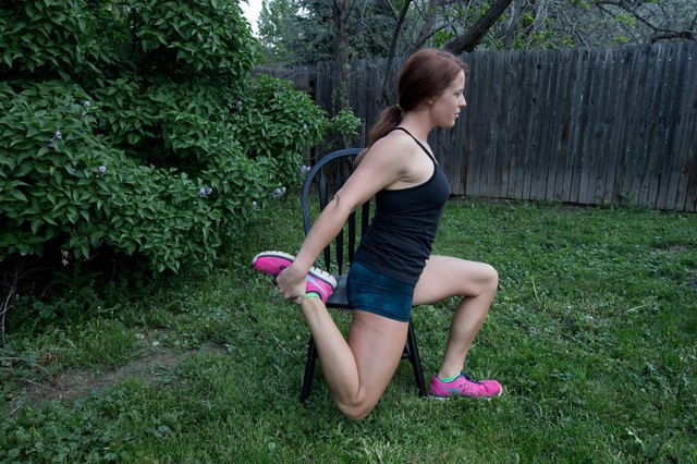 How to Do Quadricep Stretches While Sitting