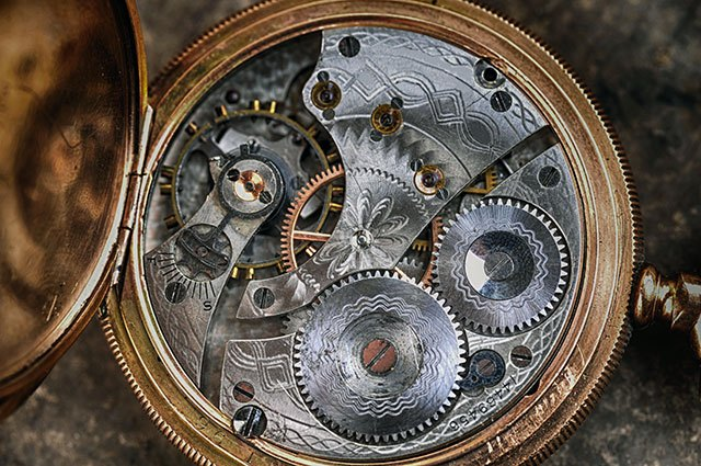 Get crafty with old watch parts.