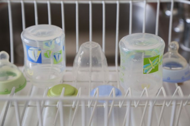 How to Sterilize Baby Bottles in the Microwave