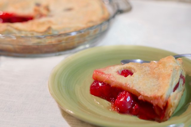 How to Bake a Cherry Pie With Canned Pie Filling
