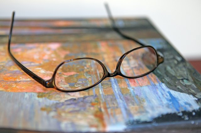 How to Adjust Plastic Eyeglass Frames
