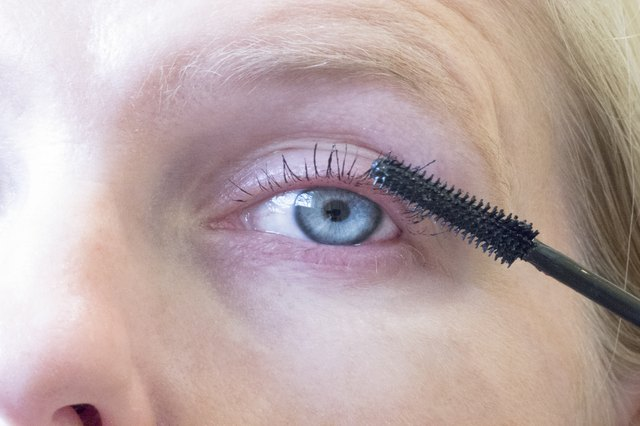 How to Make Your Eyelashes Look Longer & Fuller
