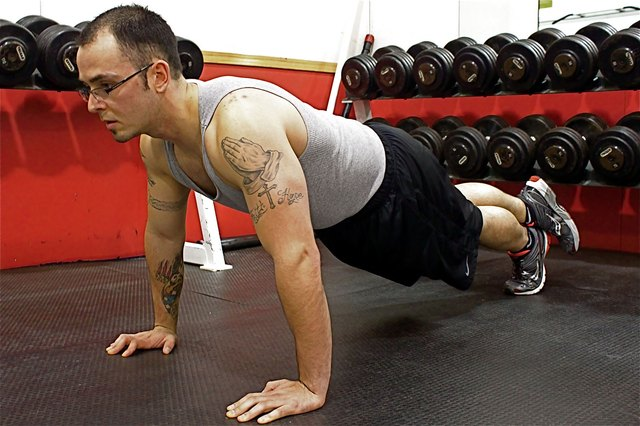 The Best Push Up for Broad Shoulders