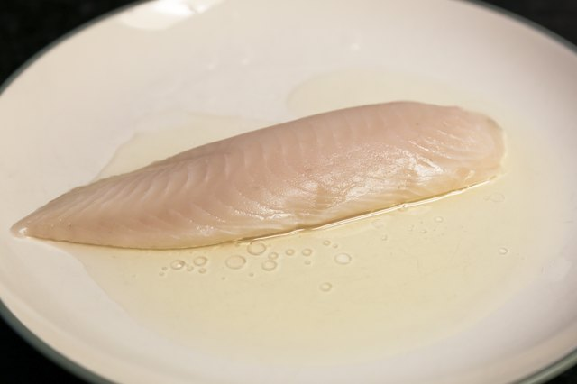 How to Cook Tilapia in the Microwave