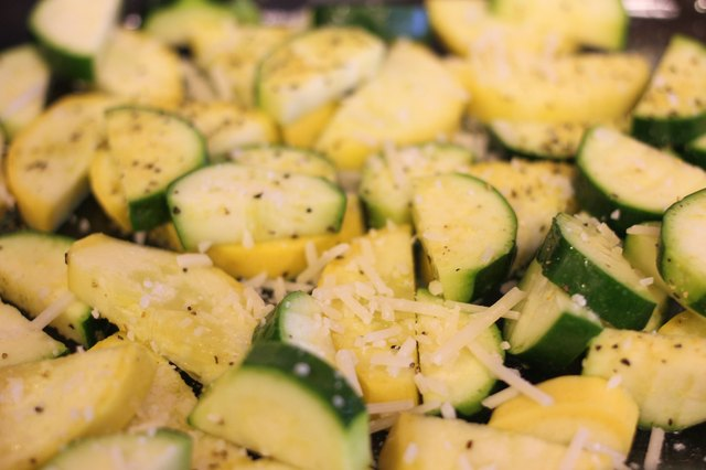 How to Cook Yellow Squash in the Oven
