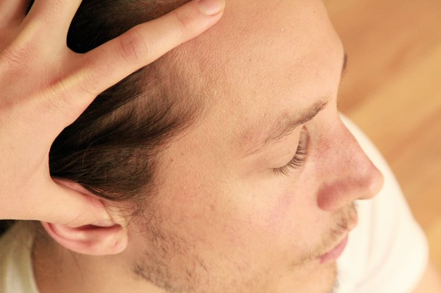 How to Massage Pressure Points in the Ears
