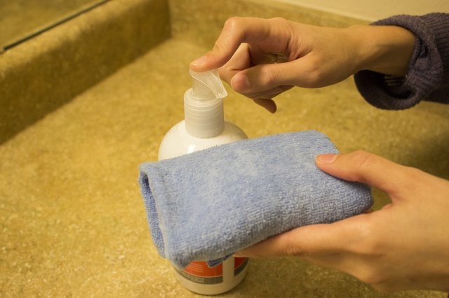 How to Dry Out Acne With Home Treatment