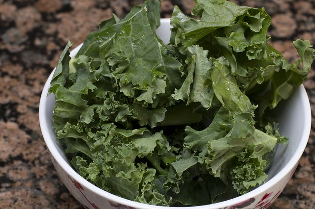 The Nutritional Differences Between Kale, Collard Greens and Swiss Chard