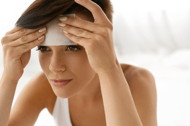 Oil-absorbing sheets are a pro trick to de-sweat quickly after exercise.