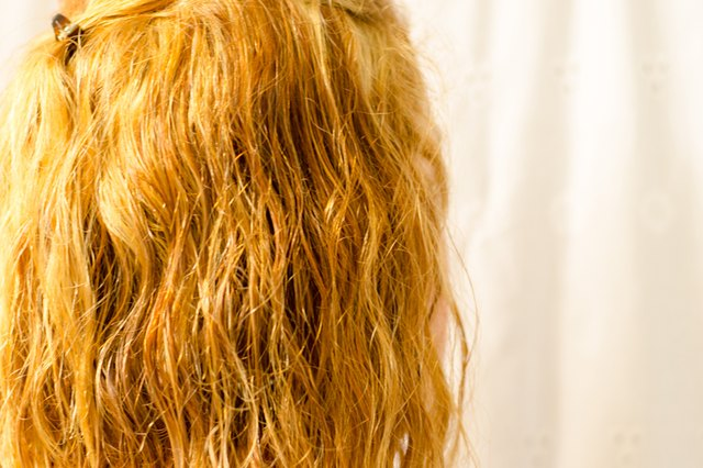 How to Make a Sea Salt Spray for Hair