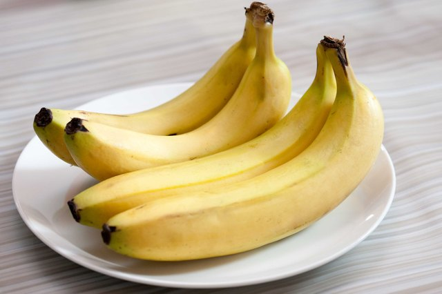 Tricks to Prevent Bananas From Turning Brown