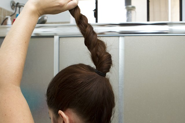 Different Ways to Do Your Hair for Cheerleading