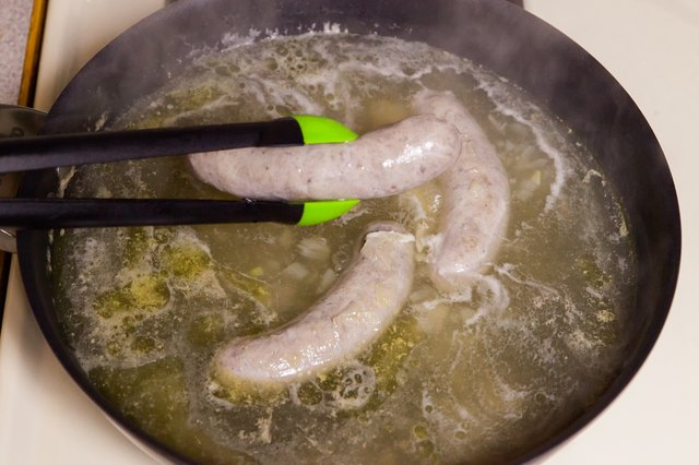 How to Boil Brats Before Grilling