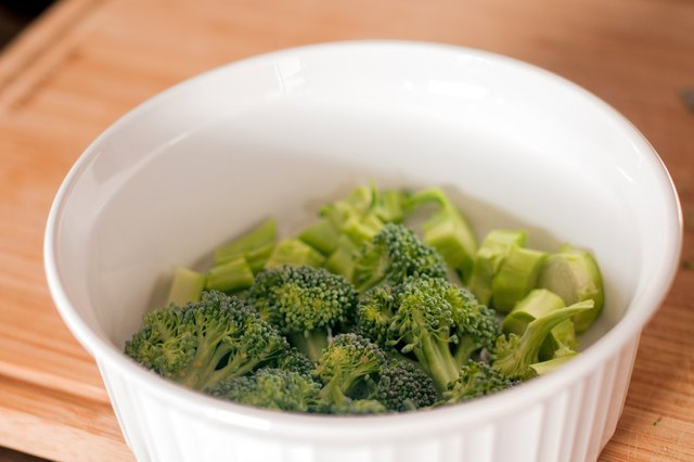 How to Cook Broccoli Without a Steamer