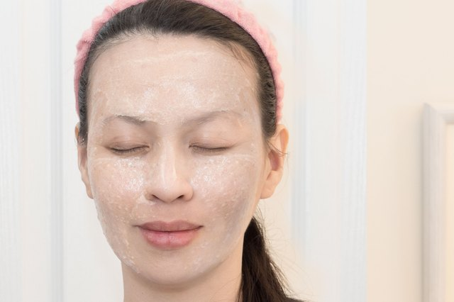 How to Make a Grapefruit Facial Mask