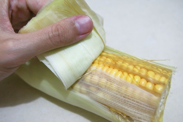 How to Cook Corn on the Cob on a Smoker
