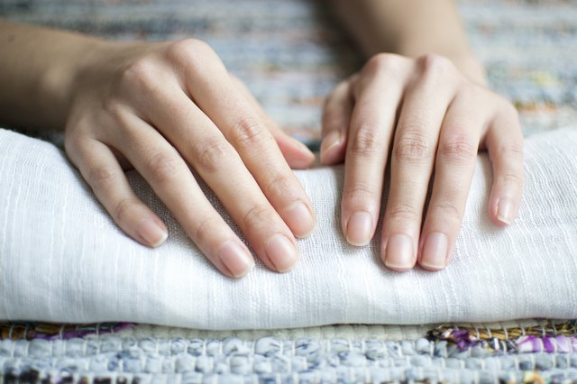 How to Promote Fast Nail Growth