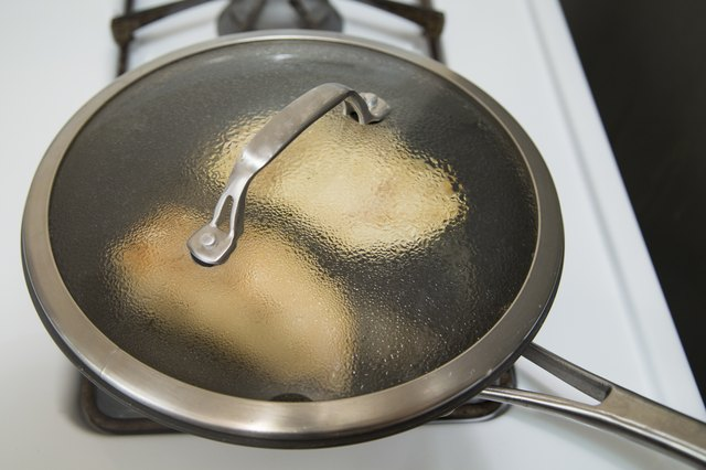 How to Cook Boneless Juicy Chicken Breasts on the Stove