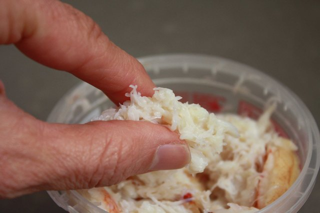 How to Be Sure Raw Crab Is Fit to Eat