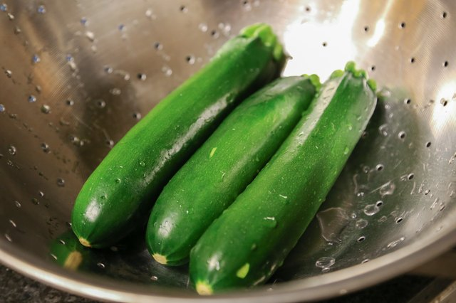 How to Cook Zucchini in Aluminum Foil in the Oven