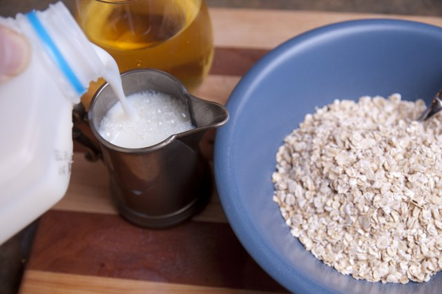 How Many Calories Does a Bowl of Oatmeal Have?