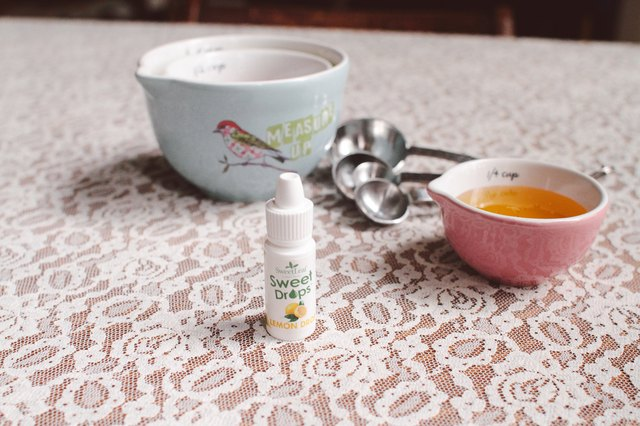 How to Substitute SweetLeaf Liquid Stevia for Honey in Baking