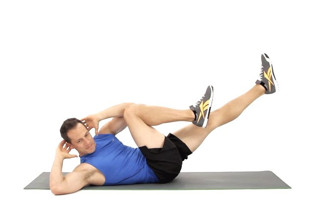 Proper form for bicycle crunches.