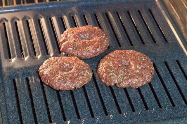 How to Cook a Hamburger in the Broiler