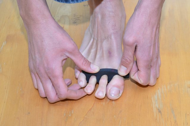 How to Use Yoga Toes for Bunions & Does it Work?