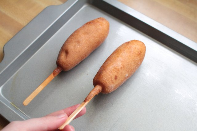 How to Cook Frozen Corn Dogs