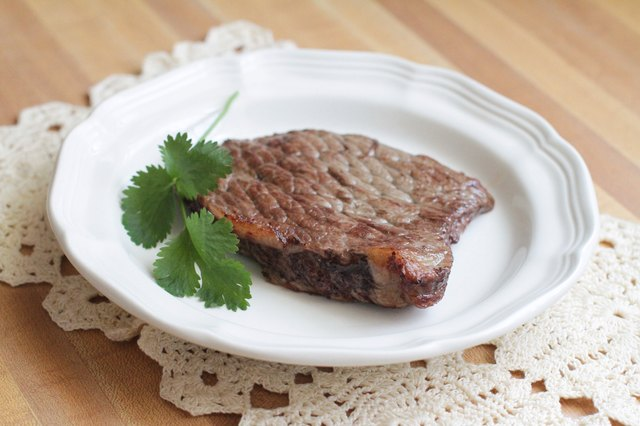 how to cook medium well steak in oven