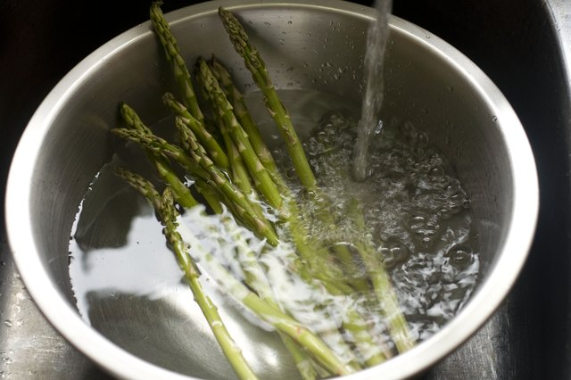 The Best Way to Freeze Asparagus: Blanch It or Just Freeze It?