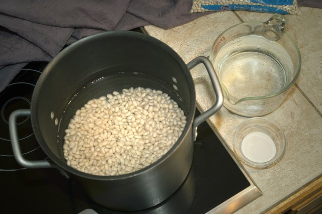 How to Cook or Prepare Dried Navy Beans