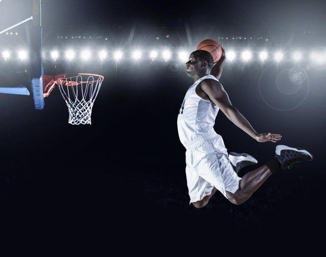 The Height of an Official NBA Basketball Hoop | LIVESTRONG.COM
