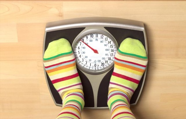 What Is a Healthy Weight for a 25-Year-Old Woman?