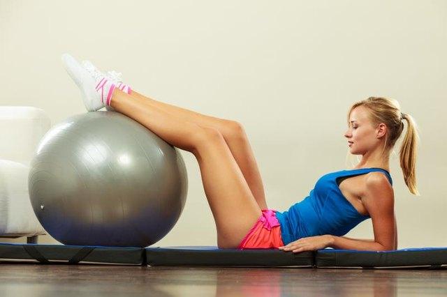 Difference Between a Stability Ball and an Exercise Ball