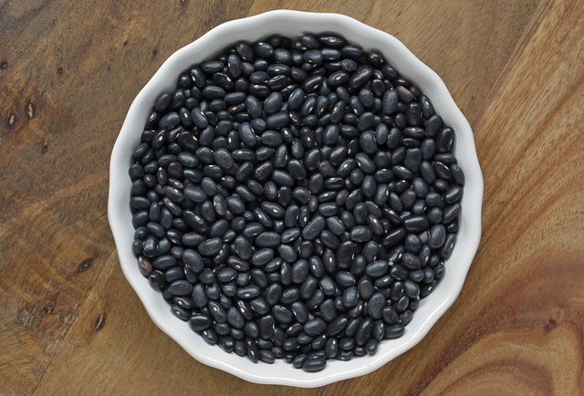 Black beans contain calcium.