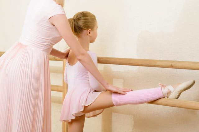Tips & Exercises to Improve Ballet Pirouettes
