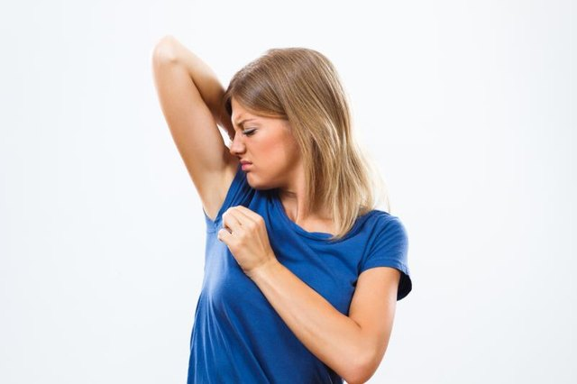 How to Reduce Sweating in Underarms
