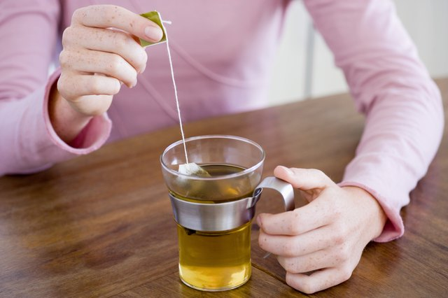 You can prepare fennel tea from loose fennel seeds or buy it packaged in tea bags that contain ground fennel seeds.