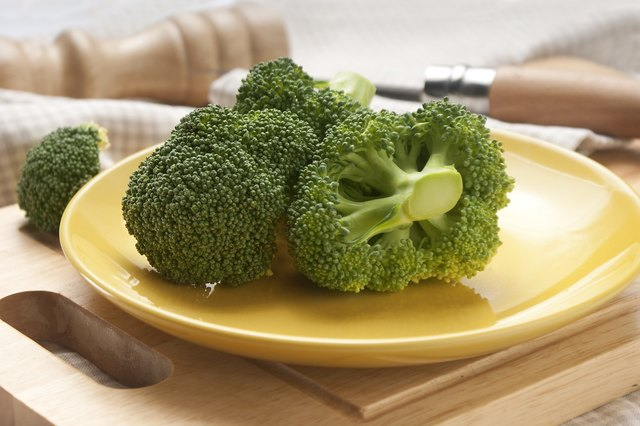 a 1/2 cup serving of broccoli is permitted