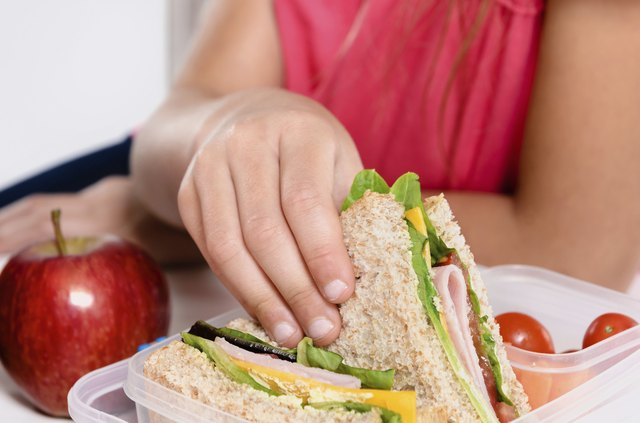 Pack healthy foods to take to work for your lunch or dinner.