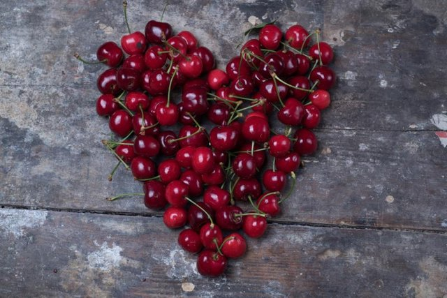 5 Promising Health Benefits of Tart Cherry Juice
