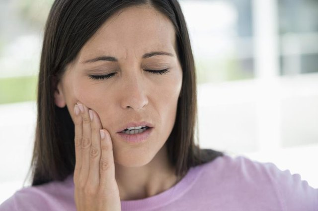 How to Get Rid of a Toothache Without Medication