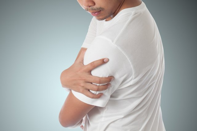 Shoulder stretches help decrease pain after labral tears.