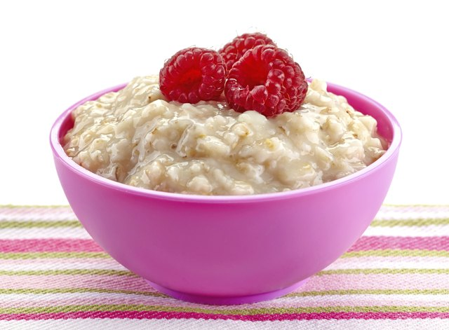 One cup of cooked oatmeal has 8 g fiber.
